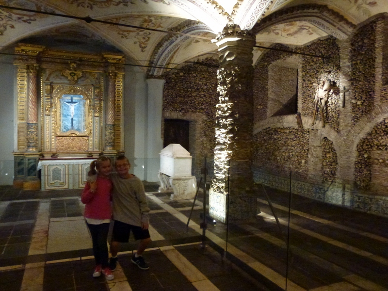 Evora Portugal -Chapel of Bones (8)