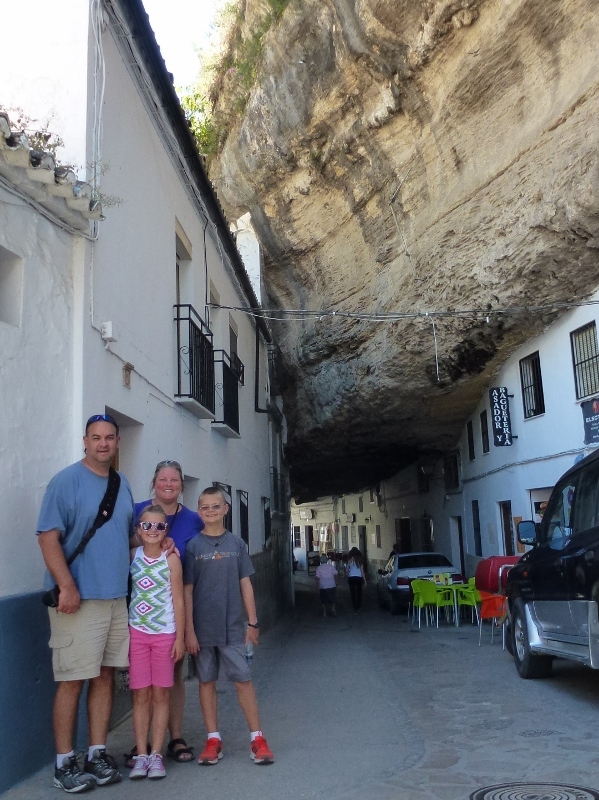 1 Day In Ronda Spain And A Town Where People Live Under A Rock Wagoners Abroad