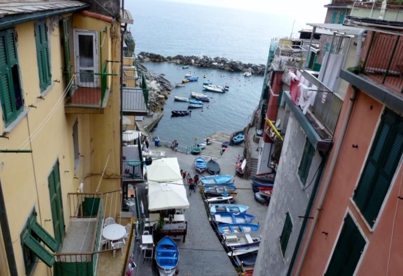 Riomaggiore - View from the main plaza to the sea.