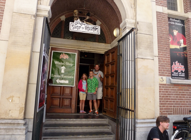 The Amsterdam Dungeon - Stimulates the heart!