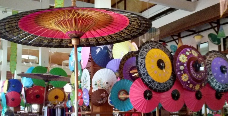 Bo Sang Umbrella Making - Saa Paper umbrellas