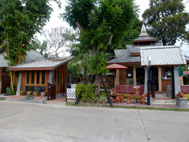 Pai Vintage Garden Resort reception