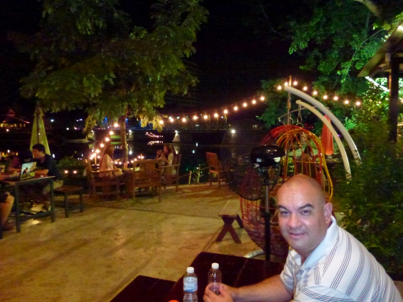 Swiss-Lanna Lodge Chiang Mai dinner out along the Ping River