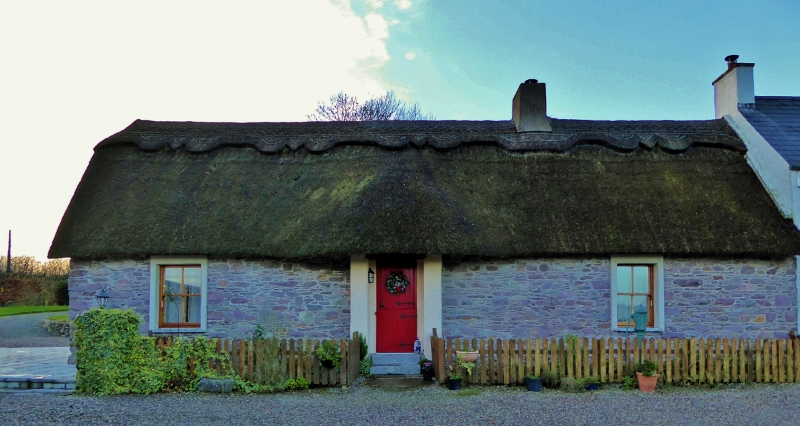 Thatched roof cottage - vacation rental Ireland - Ivy Bridge Cottage