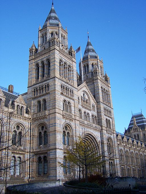 London 512px-Natural_History_Museum_001 (2)