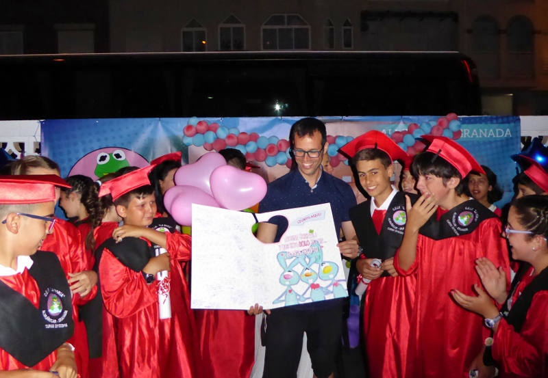 La Noria class of 2016 honoring Pepe