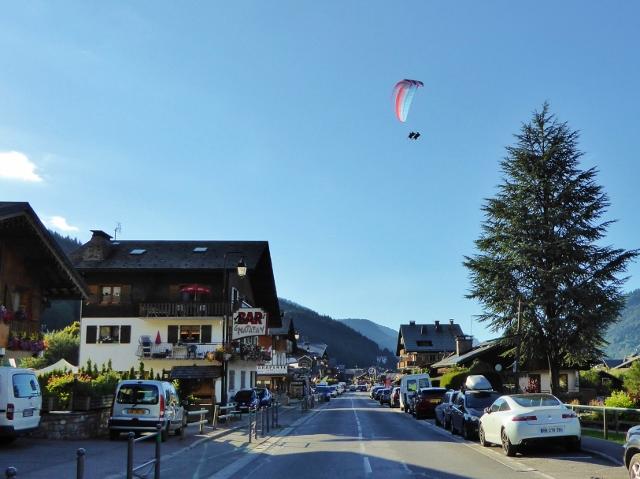 Paragliding Morzine France