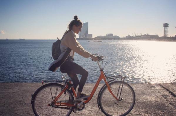 Barcelona by bike - Barceloneta - beach