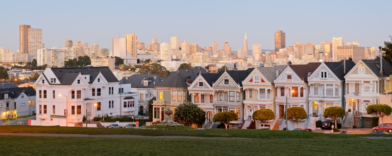The painted ladies postcard row San Francisco. image source https://upload.wikimedia.org/wikipedia/commons/7/71/Painted_Ladies_San_Francisco_January_2013_panorama_2.jpg
